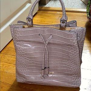 No brand handbag/crossbody bag